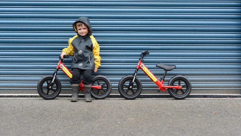 Khi nào trẻ có thể bắt đầu sử dụng xe đạp cân bằng?