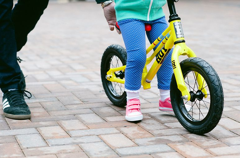Khi nào trẻ có thể sử dụng xe đạp cân bằng?