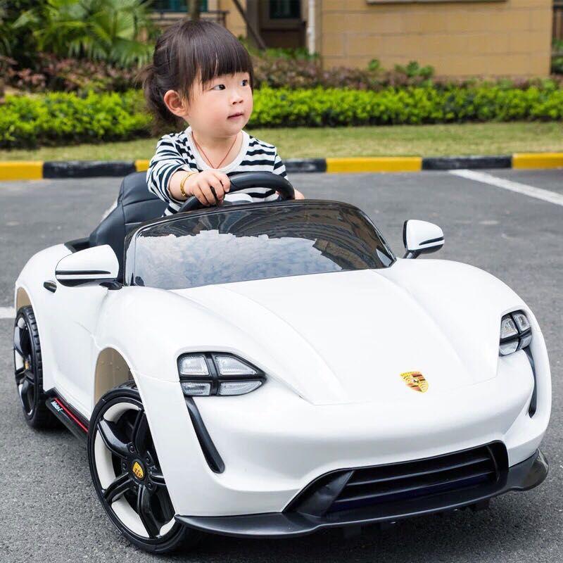 Sự cân bàng và ổn đinh khi bé sử dụng ô tô điện