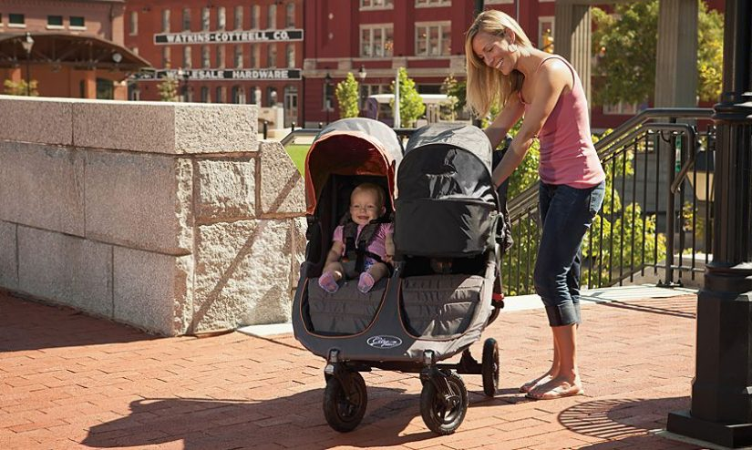 Làm thế nào để mua được một chiếc xe đẩy cho bé