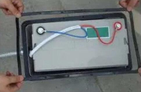 Cách lắp hộp pin năng lượng mặt trời