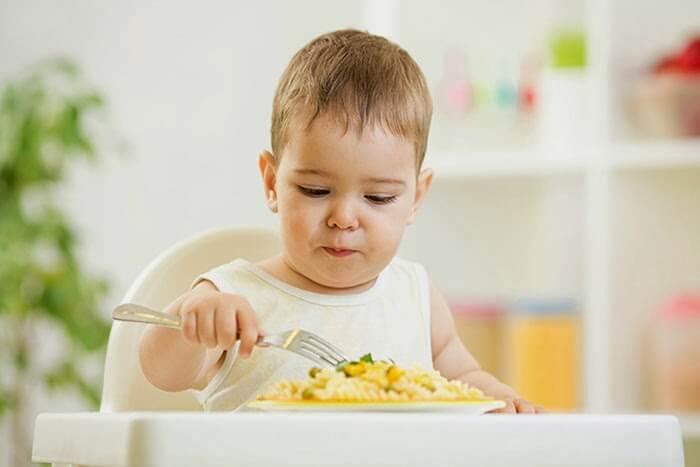 Thực đơn dinh dưỡng dành cho bé 2 tuổi