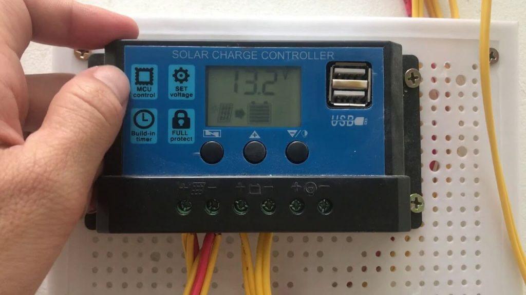 Bản điều khiển sạc năng lượng mặt trời